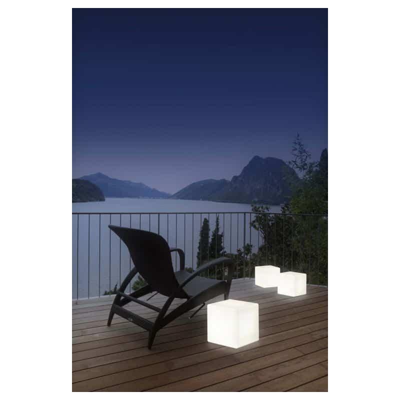 table-d-appoint-lumineuse-cube-interieur-exterieur-blanc-h-33-cm 13