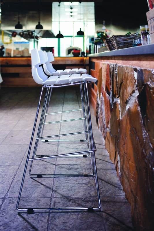 Tabouret de bar mi-hauteur design BRIO en polypropylène (blanc)