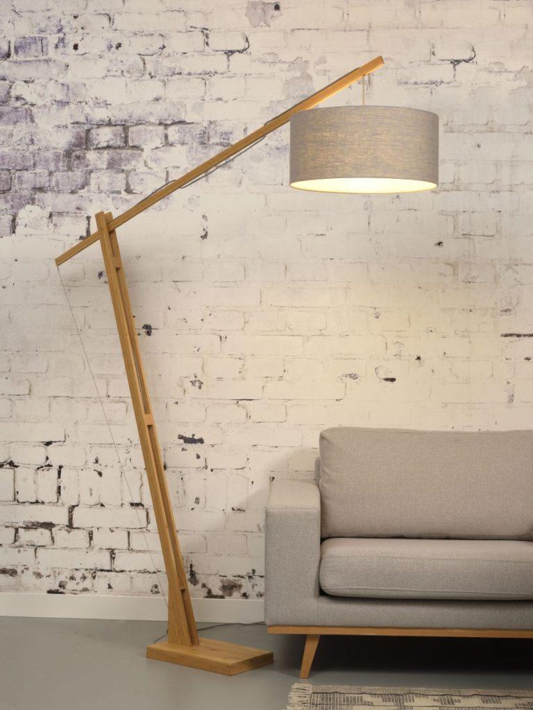 LAMPE SUR PIED EN BAMBOU