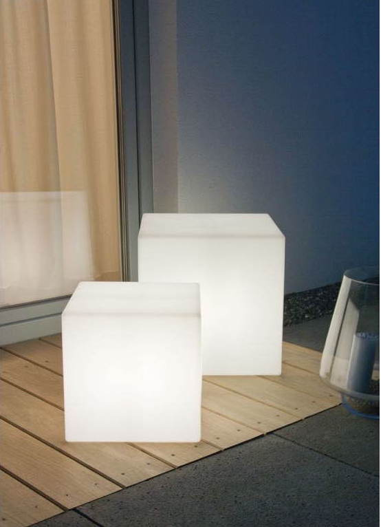 TABLES D'APPOINT LUMINEUSES
