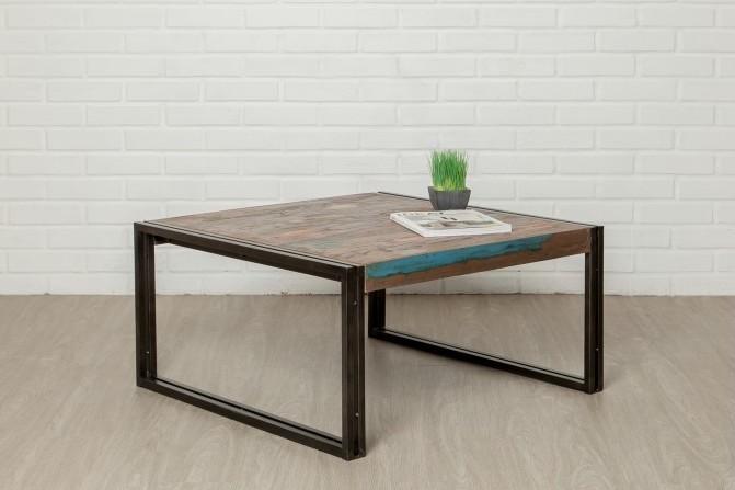 Jolie table bar carrée